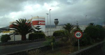 Der Flughafen Teneriffa Nord bei bedecktem Himmel