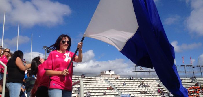 CD Teneriffa Fan im Stadion