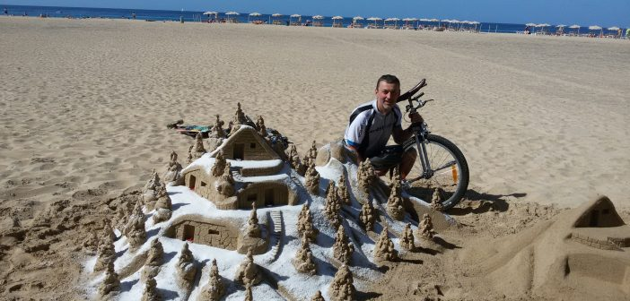 Heimo Katzbauer Kanaren Einrad Fuerteventura Sandburg Strand