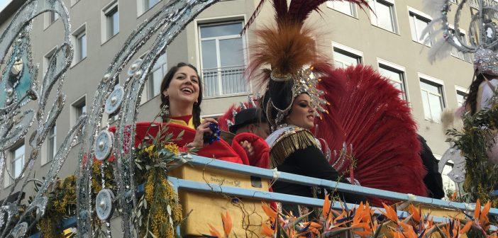 Karneval Düsseldorf Rosenmontagszug Teneriffa Puerto Reina Gefolge
