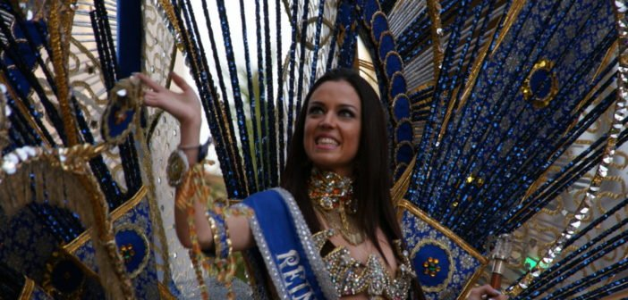 Puerto de la Cruz Teneriffa Karnevalskönigin