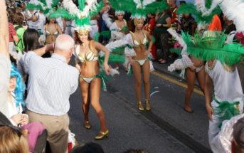 Puerto de la Cruz Teneriffa Karneval Sambatänzerinnen
