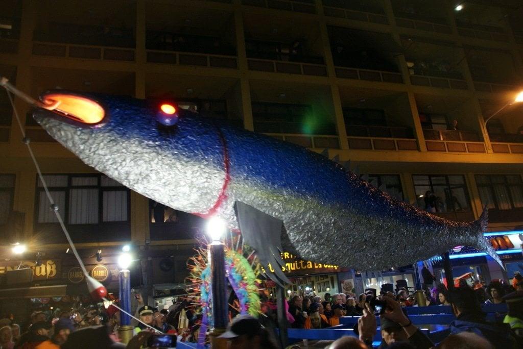 Puerto de la Cruz Teneriffa Karneval Beerdigung der Sardine