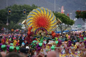 Karnevalszug in Santa Cruz Musik