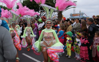 Karnevalszug Santa Cruz Teneriffa Sambatänzerinnen