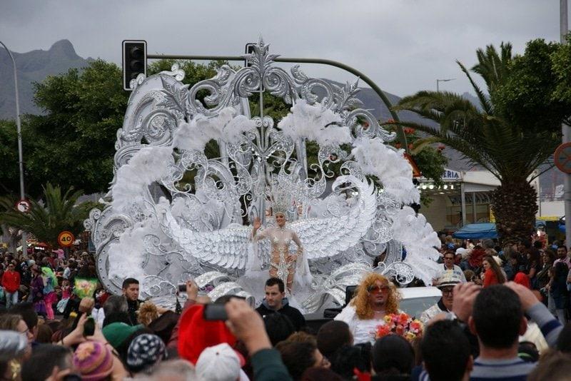 Karnevalszug Santa Cruz Teneriffa Karnevalskönigin