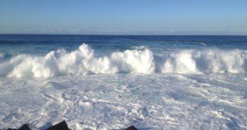 Küste Puerto de la Cruz Teneriffa Wellen