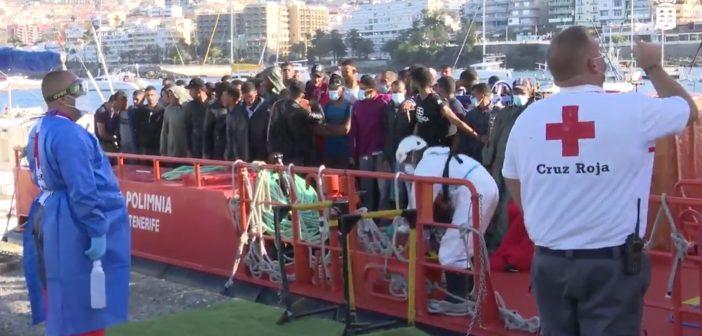 Kritik an Spanien und EU: Kanaren fühlen sich mit Flüchtlings-Strömen allein gelassen