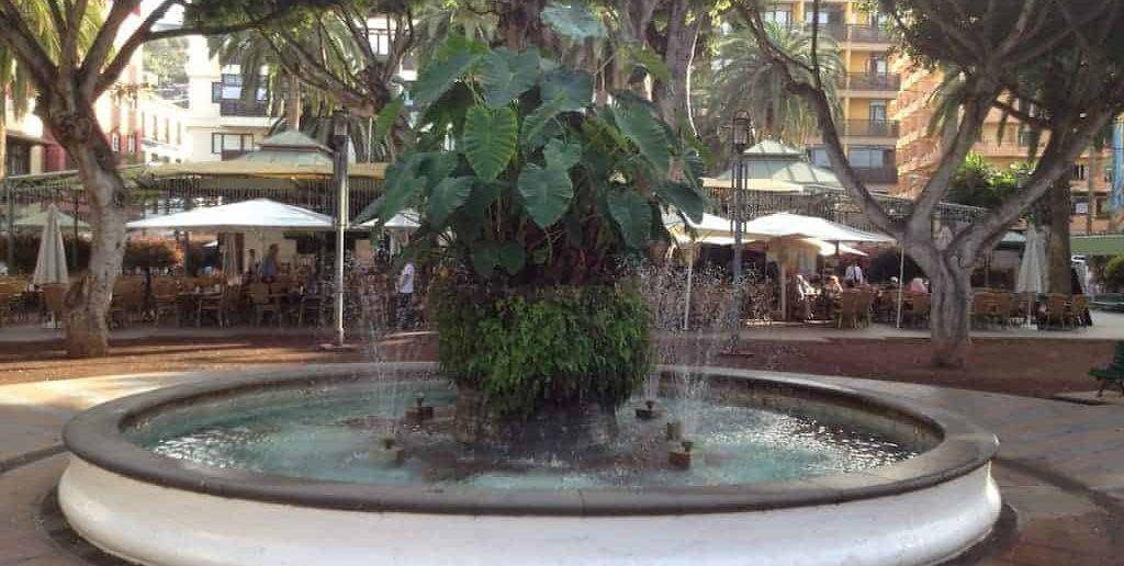 Brunnen auf der Plaza del Charco in Puerto de la Cruz