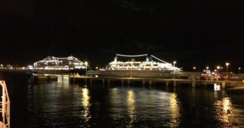 Teneriffa Santa Cruz Hafen Kreuzfahrtschiffe Nacht