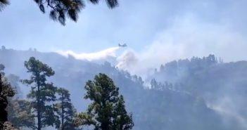 Waldbrände La Palma Kanaren Löschflugzeug